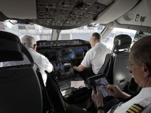 Dreamliner 787 Cockpit - ViPTRiP.co.nz